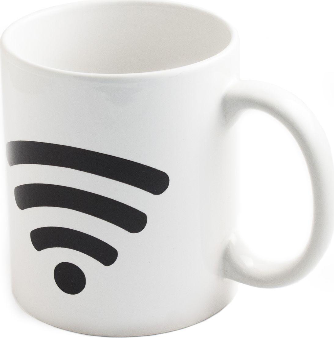 Кружка хамелеон Эврика Включи WiFi, 350 мл. 9805098050Кружка-хамелеон Эврика Включи WiFi выполнена из высококачественной керамики. По мере наполнения, шкала зарядки повышается. В холодном состоянии на кружке нарисована шкала Wi-Fi. Если в нее налить горячий напиток, то рисунок меняет цвет. Такой подарок станет не только приятным, но и практичным сувениром: кружка станет незаменимым атрибутом чаепития, а оригинальный дизайн вызовет улыбку.Высота кружки: 9,5 см.Диаметр (без учета ручки): 8 см.