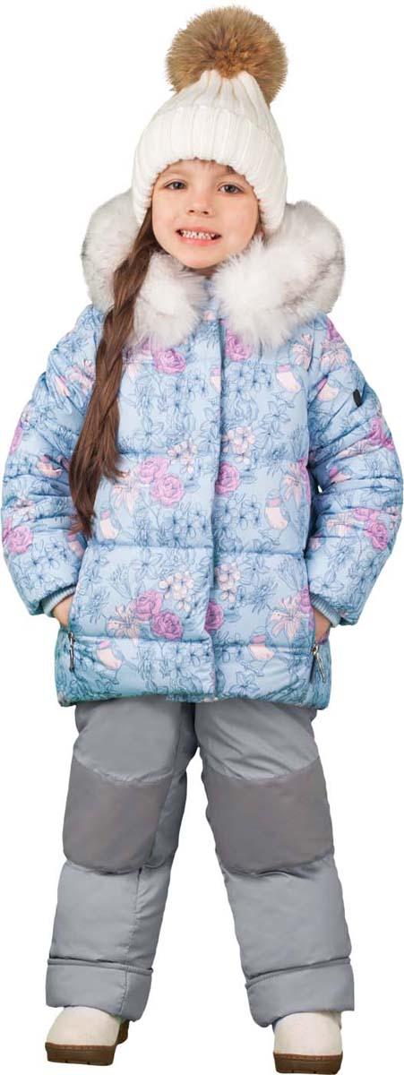 Комплект для девочки Boom!: куртка, полукомбинезон, цвет: голубой. 70465_BOG_вар.2. Размер 110, 5-6 лет70465_BOG_вар.2Теплый комплект для девочки Boom! идеально подойдет вашей дочурке в холодное время года. Комплект состоит из куртки и полукомбинезона, изготовленных из водоотталкивающей ткани с утеплителем из синтепона. Куртка на мягкой флисовой подкладке застегивается на пластиковую застежку-молнию. Курточка дополнена несъемным капюшоном, декорированным меховой опушкой на молнии. Дополнен капюшон скрытой резинкой со стопперами. Низ рукавов дополнен внутренними трикотажными манжетами, которые мягко обхватывают запястья.Полукомбинезон с грудкой застегивается на пластиковую застежку-молнию и имеет наплечные эластичные лямки, регулируемые по длине. На талии предусмотрена вшитая широкая эластичная резинка, которая позволяет надежно заправить рубашку, водолазку или свитер. По бокам предусмотрены два прорезных кармана. Снизу брючины дополнены внутренними манжетами с прорезиненными штрипками, препятствующими попаданию снега в обувь и не дающими брючинам ползти вверх. Комфортный, удобный и практичный комплект идеально подойдет для прогулок и игр на свежем воздухе!