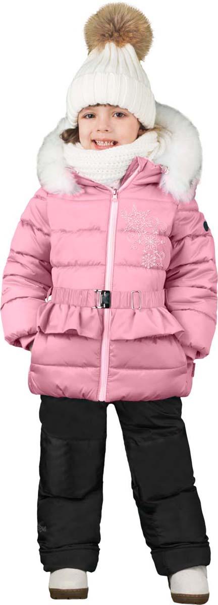 Комплект для девочки Boom!: куртка, брюки, цвет: розовый. 70469_BOG_вар.1. Размер 98, 3-4 года70469_BOG_вар.1Теплый комплект для девочки Boom! идеально подойдет вашей дочурке в холодное время года. Комплект состоит из куртки и брюк, изготовленных из курточного атласа с утеплителем из синтепона. Куртка на мягкой флисовой подкладке застегивается на пластиковую застежку-молнию. Курточка дополнена несъемным капюшоном, декорированным меховой опушкой. Низ рукавов дополнен внутренними трикотажными манжетами, которые мягко обхватывают запястья. Куртка дополнена эластичным пояском с металлической пряжкой и оформлена декоративной рюшей.Брюки застегиваются на застежку-молнию.Комфортный, удобный и практичный комплект идеально подойдет для прогулок и игр на свежем воздухе!