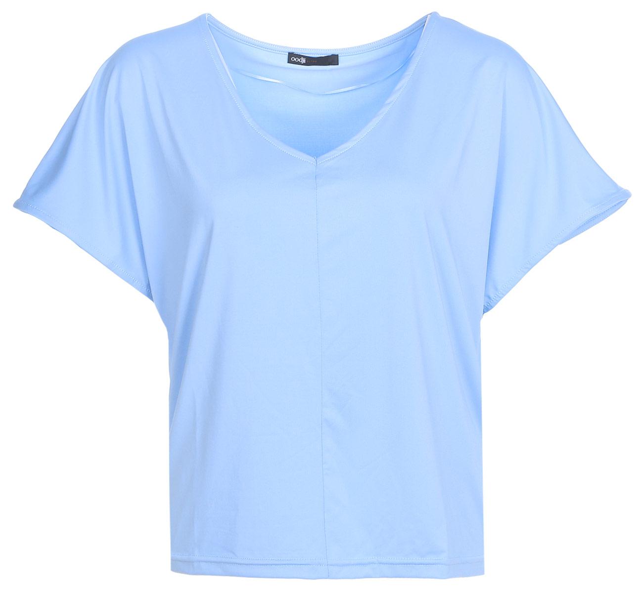 Футболка женская oodji Ultra, цвет: голубой. 14708011/16300/7000N. Размер S (44)14708011/16300/7000NФутболка с V-образным вырезом горловины и короткими рукавами летучая мышь выполнена из струящейся ткани.