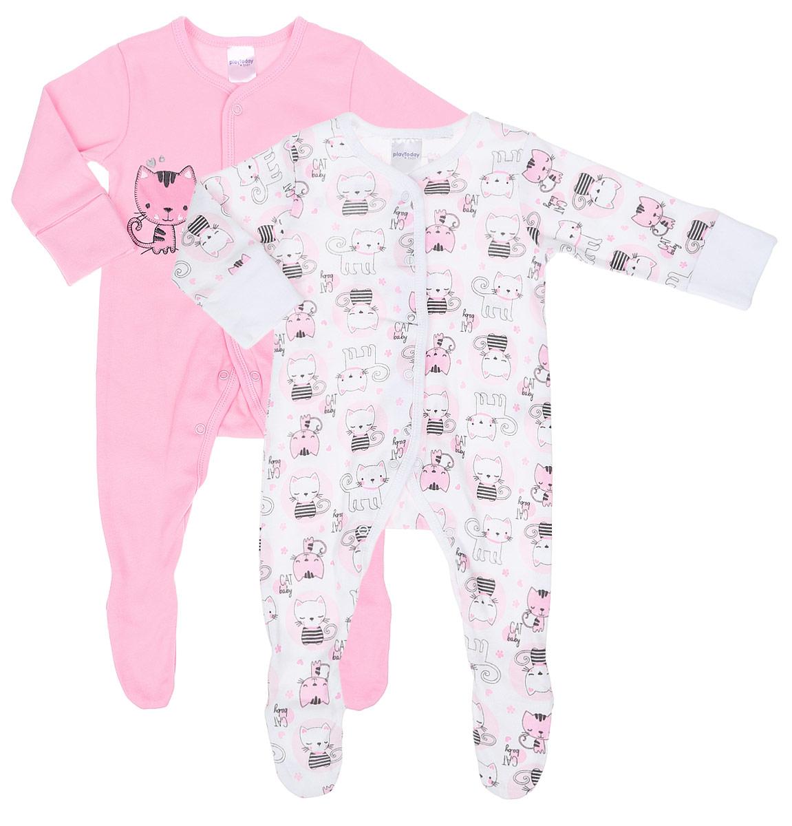Комбинезон домашний для девочки PlayToday Baby, цвет: белый, розовый, 2 шт. 178806. Размер 74178806Комплект комбинезонов PlayToday Baby разнообразит гардероб вашей малышки. Комбинезоны с закрытыми ножками изготовлены из натурального хлопка и оформлены милым принтом. Материал изделия мягкий и тактильно приятный, не раздражает нежную кожу ребенка и хорошо пропускает воздух. Модели имеют удобные застежки-кнопки спереди и между ножек, что позволит легко переодеть ребенка или сменить подгузник, а также удобные манжеты на рукавах, которые можно превратить в рукавички - ребенок не сможет себя поранить и оцарапать. Круглый вырез горловины дополнен мягкой эластичной бейкой. Комбинезоны полностью соответствуют особенностям жизни ребенка в ранний период, не стесняя и не ограничивая его в движениях.