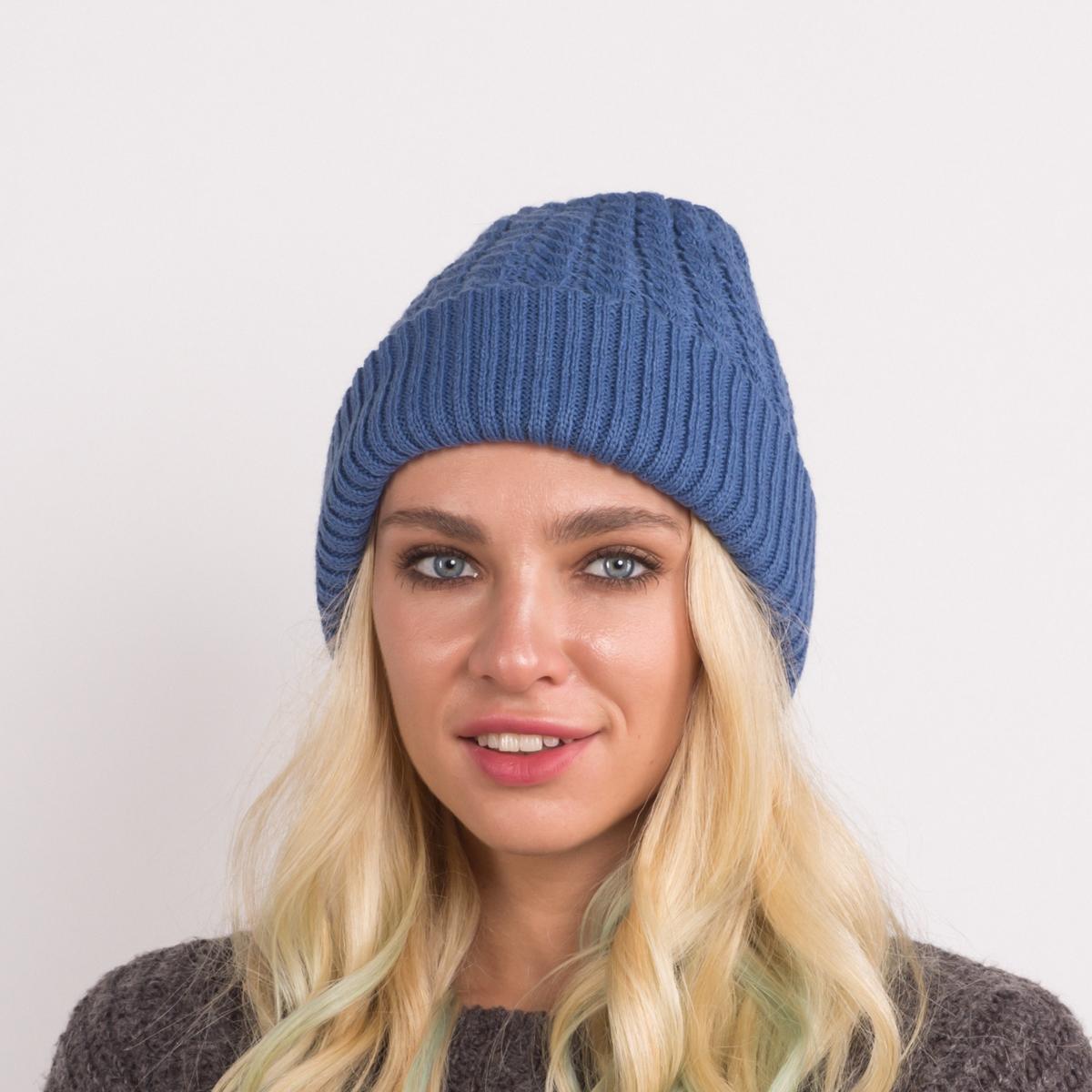 Шапка женская Flioraj, цвет: синий. 07-18FJ. Размер 56/5807-18FJДвухсторонняя шерстяная шапка от Flioraj, выполненная из полиамида с добавлением шерсти и вискозы, отлично согреет в холодную погоду. Состав пряжи делает изделие мягким, теплым и комфортным. Одна сторона выполнена актуальными мелкими косами, вторая сторона - не менее актуальной резинкой. Такую шапочку можно носить с любым видом верхней одежды, достаточно только определиться с цветом.