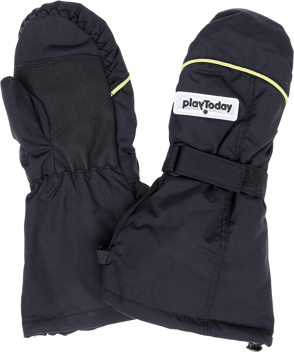 Рукавицы для мальчика PlayToday, цвет: темно-серый. 370011. Размер 14370011Теплые рукавицы из непромокаемого материала PlayToday защитят руки ребенка при холодной погоде. Мягкая подкладка из теплого флиса обеспечивает комфорт и тепло, а усиленный материал в области ладоней гарантирует долгую службу. Удлиненные запястья дополнены резинками с кулисками и липучкой для удобной посадки и дополнительного сохранения тепла.