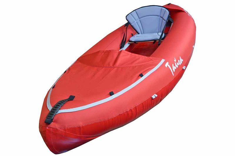 Лодка Вольный ветер Тайга 340, цвет: красный11014Байдарка Тайга 340 - это одноместная сверхлёгкая туристическая байдарка, предназначенная для водных походов и комбинированных пеше-водных маршрутов, охоты и рыбалки. Может использоваться как в двухместном - для кратковременных прогулок на воде или походов выходного дня, так и в одноместном (грузовом) варианте для длительных походов. Ещё используется как лодка для рыбалки и охоты, отличительной особенностью которой является сверхмалый вес и компактность в сложенном виде. Байдарка Тайга имеет приятный, красивый внешний вид и яркие цвета, которые будут радовать вас во время водных прогулок. А специально для рыбаков и охотников байдарка выпускается в камуфлированной расцветке, что делает вас незаметным на охоте и рыбалке. Время сборки байдарки, в расслабленном состоянии, занимает около десяти минут. Вам нужно только вставить пенные вставки в нос и корму - это можно сделать один раз, а потом просто не вынимать их. Затем закрепить сиденья в специальные полозья по бортам и отрегулировать их как вам удобно. Накачать байдарку. Лодка Тайга 340 имеет двухслойную конструкцию: верхняя часть оболочки выполнена из ткани Oxford Ripstop с полиуретановой пропиткой, нижняя часть - из ПВХ ткани, внутренние баллоны - из термополиуретана на тканевой основе. Лодка не имеет надувного дна. Байдарка надувная Тайга 340 имеет, для удобства заправки баллонов, по всей длине внутренней стороны бортов силовую молнию. Техническое обслуживание внутренних баллонов занимает две минуты.Пенные вставки в носу и корме байдарки Тайга 340 формируют штевневые окончания, что уменьшает рыскание на курсе и увеличивает скорость на спокойных участках. По верху бортов расположены петли для крепления груза. Нос и корма байдарки закрыты сверху, чтоб волны не забрызгивали вещи и их было удобней располагать в байдарке. На специальных полозьях крепится фанерная банка-сиденье с надетой мягкой формованной сидушкой со спинкой для большего комфорта пассажиров. Месторасположе