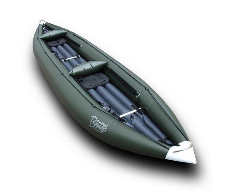 Лодка Вольный ветер Экстрим, цвет: зеленый11011Байдарка Каньон Экстрим - это двухместный вариант знаменитых байдарок серии Каньон, основное предназначение которых - сплав по порожистым рекам. Байдарка предназначена для экипажа из двух человек с багажом, достаточным для продолжительного автономного путешествия.Байдарка Каньон в своей двухместной модификации Экстрим идеальна для порогов. Обводы байдарки и узлы (самоотлив, упоры, надувная спинка) по максимуму адаптированы для сплава по бурной воде. Упоры и спинка индивидуально регулируются под человека, а груз надёжно крепиться к специальным петлям вдоль бортов или за надувное дно. Сверху, по бортам дополнительно проходит леерная верёвка.Надувная байдарка Каньон выполнена в виде двухслойной конструкция из оболочки из ПВХ ткани и газодержащего баллона, что делает эту модель надёжной и защищённой от проколов и порезов. Отсутствие металлического каркаса и надувное дно амортизирует удары о камни или коряги и позволяет с разгона преодолевать небольшие завалы. Такой конструкции страшны только техногенные гадости в виде острой арматуры под мостами или битое стекло у берегов, что, к сожалению, встречается на реках.Байдарка оснащена системой самоотлива, которая за 10-15 секунд сольёт набравшуюся в пороге воду, что позволит сохранить манёвренность при прохождении порогов. В случае оверкиля (переворота) судно легко переворачивается назад и тут же сливается набравшаяся внутрь вода - вам остается только забраться назад в байдарку и продолжить сплав.Длина: 480 см.Ширина: 98 см.Вес: 17,2 кг.Грузоподъемность: 220 кг.Как выбрать надувную лодку для рыбалки. Статья OZON Гид