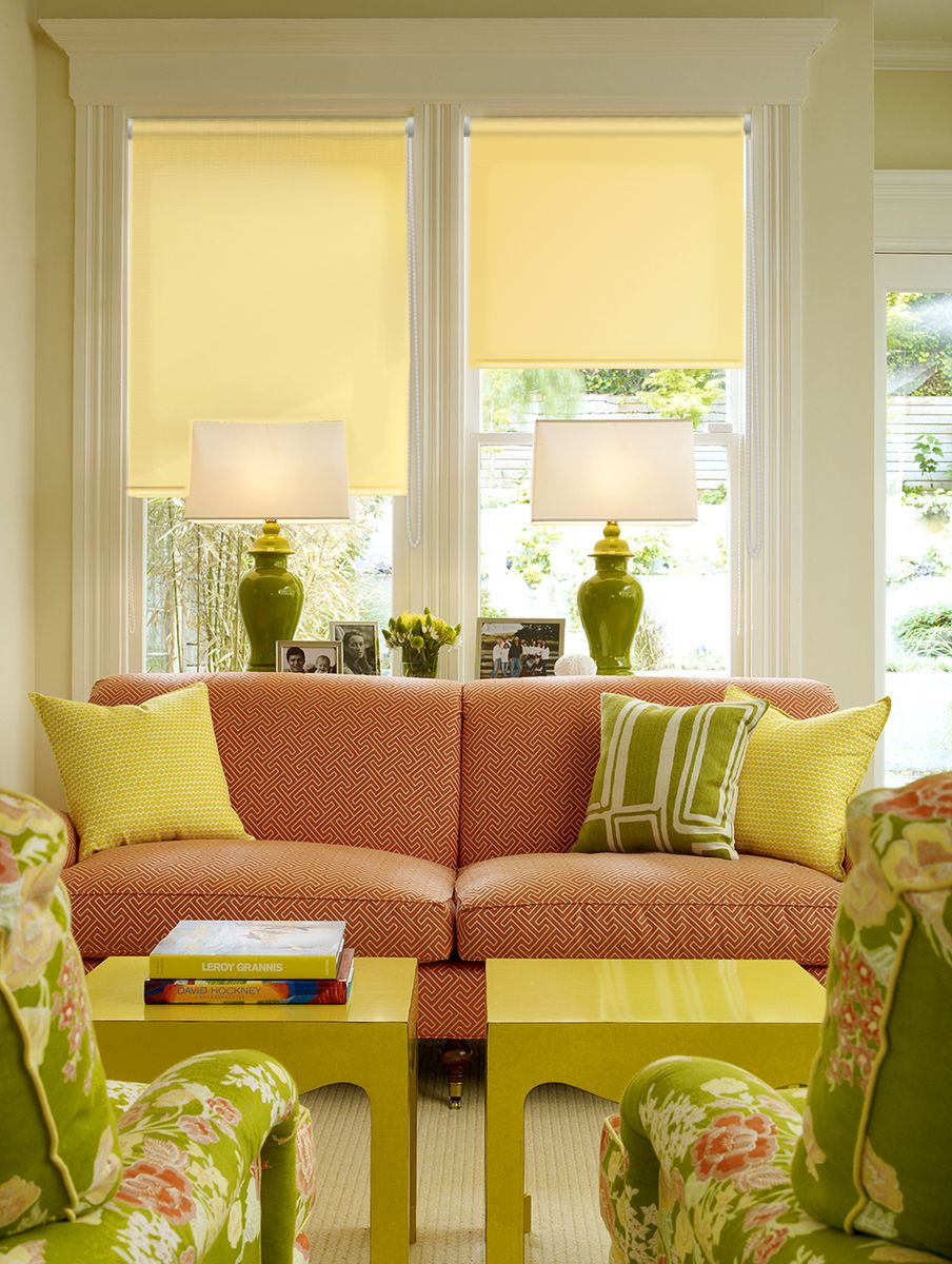 Штора рулонная Эскар Миниролло, цвет: желтый, ширина 37 см, высота 170 см31103037170Рулонная штора Эскар Миниролло выполнена из высокопрочной ткани, которая сохраняет свой размер даже при намокании. Ткань не выцветает и обладает отличной цветоустойчивостью.Миниролло - это подвид рулонных штор, который закрывает не весь оконный проем, а непосредственно само стекло. Такие шторы крепятся на раму без сверления при помощи зажимов или клейкой двухсторонней ленты (в комплекте). Окно остается на гарантии, благодаря монтажу без сверления. Такая штора станет прекрасным элементом декора окна и гармонично впишется в интерьер любого помещения.
