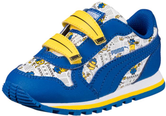 Кроссовки детские Puma Minions ST Runner V PS, цвет: синий, белый, желтый. 36401701. Размер 12 (30)36401701Модные кроссовки Minions ST Runner V PS от Puma займут достойное место среди коллекции обуви вашего ребенка. Модель выполнена из искусственной кожи. Кожаная стелька позволяет ногам дышать. Подошва оснащена рифлением для лучшего сцепления с поверхностью. Уникальный графический рисунок с символикой Миньонов, набивное изображение банана на заднике, застежки на липучке в форме банана - всё это, как и отличные функциональные характеристики новых кроссовок, позволят наслаждаться миром любимых персонажей с комфортом.