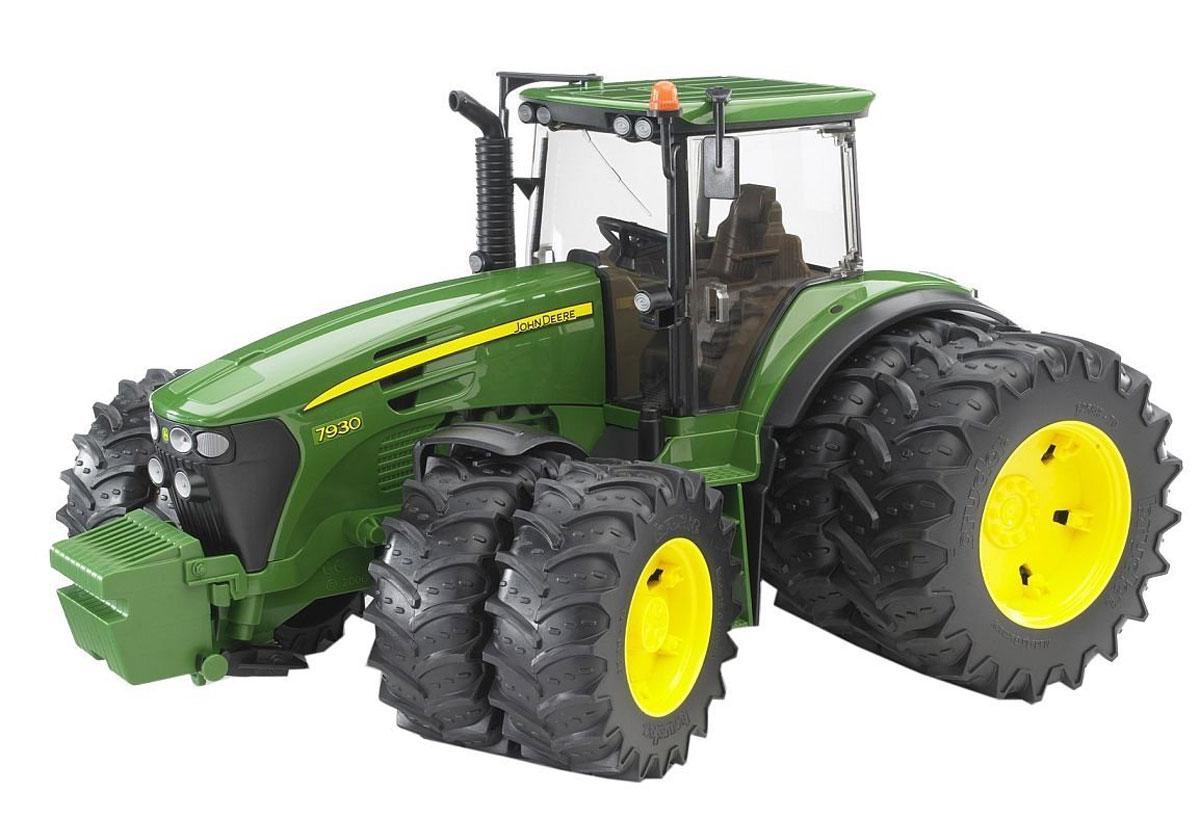 Bruder Трактор John Deere 7930 с двойными колесами трактор tomy john deere зеленый 19 см с большими колесами звук свет