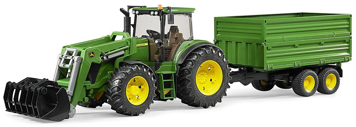 Bruder Трактор John Deere 7930 с погрузчиком и прицепом машины tomy трактор john deere monster treads с большими резиновыми колесами