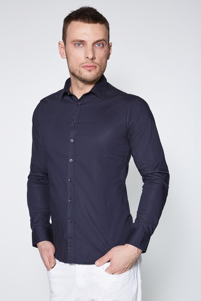Рубашка мужская Sonny Bono, цвет: темно-синий. 60100280002. Размер XL (52)60100280002Классическая рубашка зауженного кроя Sonny Bono выполнена из эластичного хлопкового поплина. Модель с отложным воротником, длинными рукавами с манжетами на пуговицах, застежкой на пуговицы спереди, вытачкой и закругленным низом сзади.