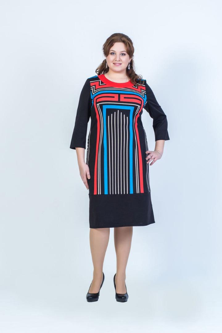 Платье женское Fill, цвет: черный, голубой, красный. ФИЛ-156001-6-9. Размер 56ФИЛ-156001-6-9Данное платье должно быть в гардеробе каждой модницы. Сочетая в себе два стиля, дополнен выразительным рисунком, а покрой придает силуэту стройность.