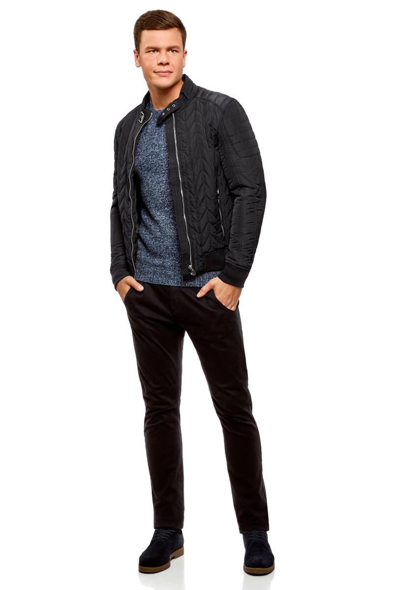 Куртка мужская oodji Lab, цвет: темно-синий. 1L111027M/44330N/7900N. Размер XL-182 (56-182)1L111027M/44330N/7900NСтильная мужская куртка oodji Lab изготовлена из высококачественного полиэстера. В качестве утеплителя используется полиэстер. Стеганая модель с воротником-стойкой застегивается на застежку-молнию и дополнительно на небольшой ремешок в области воротника. Спереди расположены два втачных кармана на застежках-молниях. Манжеты рукавов дополнены трикотажными напульсниками. По низу куртка также дополнена трикотажной резинкой.