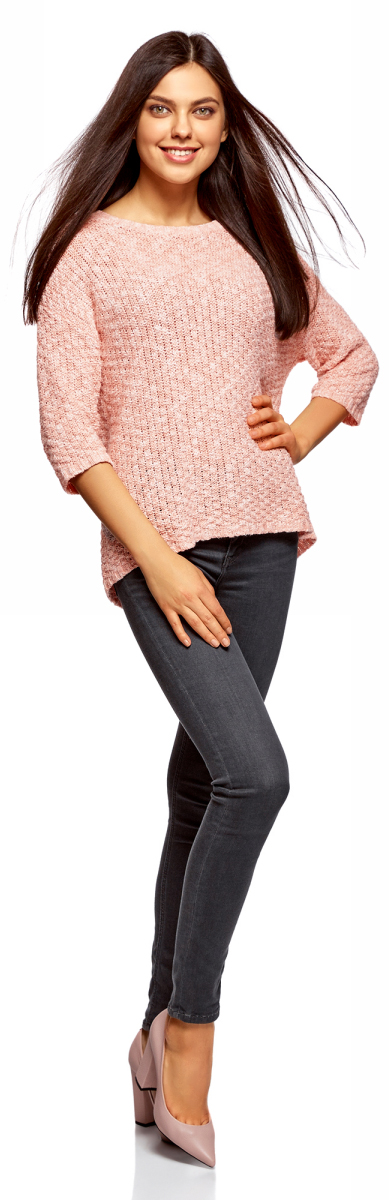 Джемпер женский oodji Ultra, цвет: белый, карамель меланж. 63805303/46681/124BM. Размер XS (42)63805303/46681/124BMНежный вязаный джемпер от oodji с рукавами 3/4 и округлым вырезом. Прямые рукава со спущенной проймой оформлены по низу узкой вязаной резинкой. Такая же резинка на полочке и спинке джемпера. Модель свободного силуэта красиво смотрится на любой фигуре, укороченные рукава акцентируют внимание на линии талии и визуально стройнят силуэт. Пряжа из смеси хлопка и акрила мягкая, теплая, хорошо тянется, не дает усадки и сохраняет вид после стирки.Свободный вязаный джемпер прекрасно подойдет для повседневных нарядов. В нем можно пойти на учебу, встречу с друзьями, в кино или кафе. Джемпер прекрасно сочетается с джинсами и брюками разного фасона. Его можно носить как самостоятельный верх, а можно надеть поверх блузки с отложным воротником. Из обуви можно подобрать туфли, аккуратные ботильоны, удобные кеды или сникерсы. Этот комфортный и стильный джемпер выручит вас в прохладную погоду!