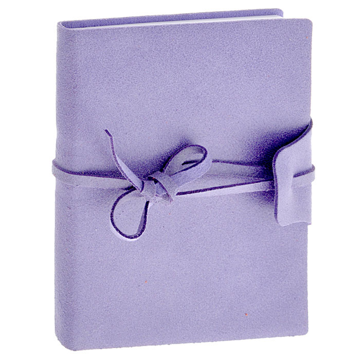 Brunnen Тетрадь Бижу на завязках 160 листов формат А6 цвет сиреневый55056-65/736-56\BD-BLZТетрадь на завязках Бижу - идеальный вариант для ведения записей.Обложка выполнена из натуральной кожи с матовой поверхностью, удивительно приятной на ощупь. Внутренний блок выполнен из высококачественной офсетной бумаги белого цвета в серую клетку. Тетрадь снабжена закладкой-ляссе, которая позволит быстро найти и открыть нужную страницу. Тетрадь завязывается на кожаный шнурок.