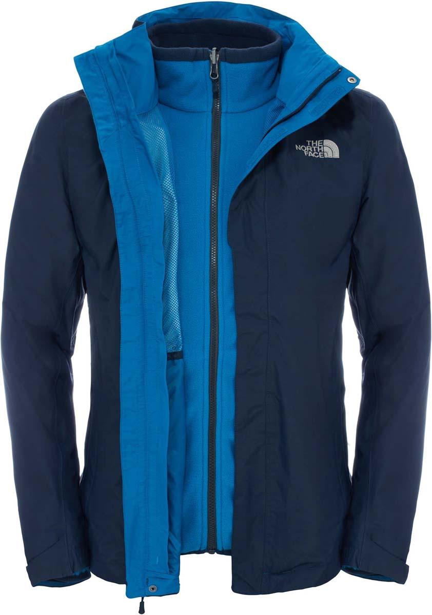 Куртка мужская The North Face M Evolutn II Tri Jkt, цвет: синий. T0CG53H2G. Размер XL (50/52)T0CG53H2GМужская куртка The North Face выполнена из нейлона и дополнена спереди логотипом бренда. Куртка с несъемным капюшоном застегивается на застежку-молнию и ветрозащитную планку на кнопках и липучках. В комплекте предусмотрена внутренняя куртка с воротником стойкой, выполненная из флиса. Рукава дополнены эластичной резинкой. Спереди расположены два прорезных кармана на застежках молниях.
