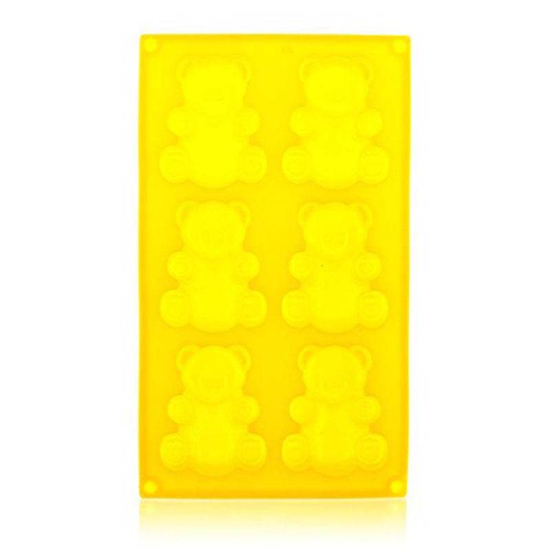 Форма силиконовая Banquet Медведи, цвет: желтый, 6 ячеек, 31 х 18 х 2 см3120175YФорма Медведи выполнена из силикона и предназначена для приготовления выпечки, мармелада или замораживания льда. На одном листе расположено 6 ячеек в виде мишек. Благодаря тому, что форма изготовлена из силикона, готовый десерт вынимать легко и просто. Материал устойчив к фруктовым кислотам, к воздействию низких и высоких температур. Не взаимодействует с продуктами питания и не впитывает запахи. Силикон абсолютно безвреден для здоровья. Чтобы достать лед, эту форму не нужно держать под теплой водой или использовать нож.
