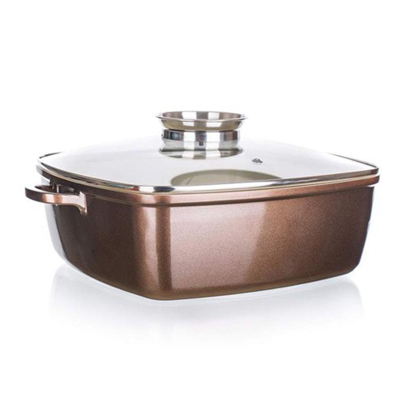 Форма для выпечки Banquet, с крышкой, 28 х 28 см40020634Подойдет как для приготовления блюд в духовке так и для подачи на стол. Красивый внешний вид, функциональный дизайн. Стеклянная крышка. Объем 6,3л. Изготовлена из литого алюминия, размер 28*28 см, антипригарное покрытие, толщина стенки 2 мм толщина основания 4,2 мм