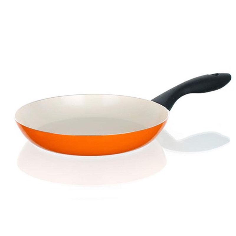 Сковорода Banquet Ceramia, с керамическим покрытием, цвет: оранжевый. Диаметр 20 см40JX20CCORСковорода имеет 2-х слойное керамическое покрытие кремового цвета. Подходит для всех видов плит, кроме индукционных. Размер 20*3,8 см. Алюминиевый корпус с керамическим 2-х слойным покрытием. Ручка - пластик.
