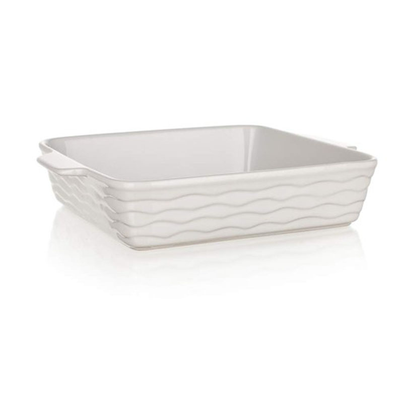 Форма для запекания Banquet, прямоугольная, цвет: белый, 28,5 х 24 см60ZF12Функциональная прямоугольная форма, красивый внешний вид - можно использовать для запекания, а также для сервировки стола. Керамическая форма для запекания, имеет прямоугольную форму 28,5*24см, цвет белый.