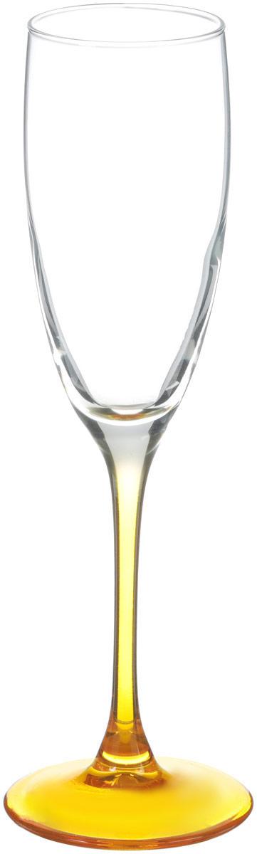 """Бокал для шампанского Luminarc """"Эталон"""" необходим для любой хозяйки, сочетает в себе  отличное качество и дизайн. Изделие выполнено из высококачественного стекла. Такой  бокал украсит любой кухонный интерьер и станет хорошим подарком для ваших близких. Внутренний диаметр бокала (по верхнему краю): 5 см.  Высота бокала: 22 см."""