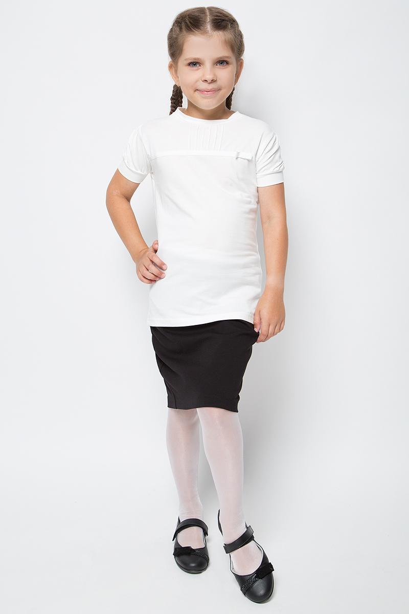 Блузка для девочки Free Age, цвет: молочный. ZG 28080-V2. Размер 134, 8 летZG 28080-V2Блузка для девочки Free Age с коротким рукавом выглядит повседневно и нарядно. Она изготовлена из хлопка с добавлением эластана. Модель с застроченными по переду небольшими складками и отделочной тесьмой. Слева пришит небольшой скромный бантик, выполненный из декоративной тесьмы. Блузка Free Age великолепно подойдет под любой стиль одежды.
