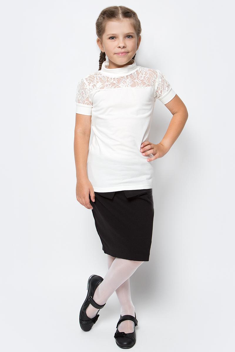 Блузка для девочки Free Age, цвет: молочный. ZG 28081-V2. Размер 122, 6 летZG 28081-V2Блузка для девочки Free Age с коротким рукавом выглядит повседневно и нарядно. Она изготовлена из хлопка с добавлением эластана. Нарядная блузка, комбинированная с кружевным трикотажем. Рукава-фонарики и кокетка спереди выполнены из полупрозрачного ажурного кремового кружева.