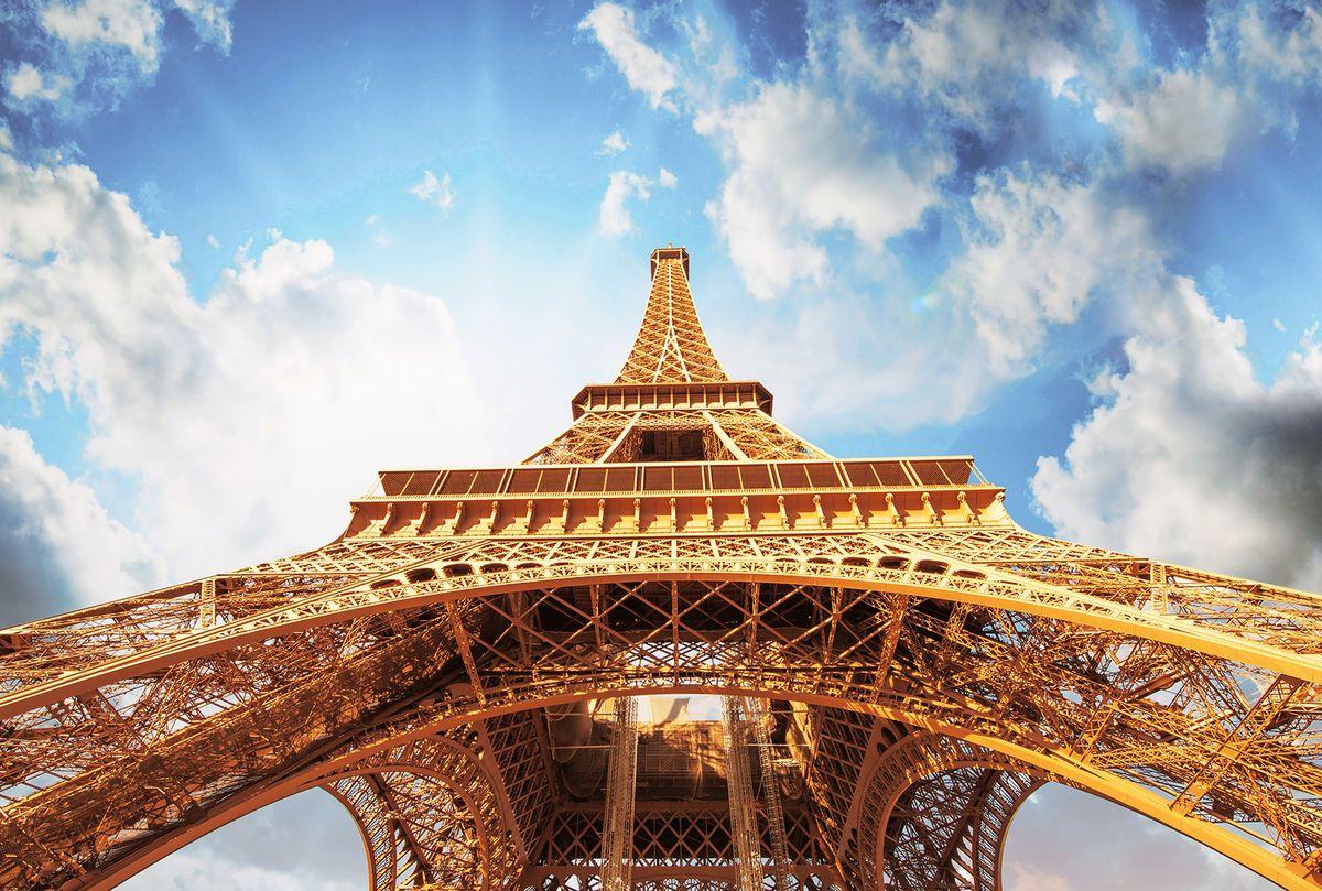 Фотообои флизелиновые Milan Мечты в Париже, текстурные, 4 х 2,7 мM 471Текстурные флизелиновые фотообои Milan Мечты в Париже позволят создать неповторимый облик помещения, в котором они размещены. Milan — дизайнерская коллекция фотообоев и фотопанно европейского качества, созданная на основе последних тенденций в мире интерьерной моды. Еще вчера эти тренды демонстрировались на подиумах столицы моды, а сегодня они нашли реализацию в декоре стен. Фотообои Milan реализуют концепцию доступности Моды для жителей больших и маленьких городов. Фотообои Milan — мода для стен, доступная каждому! Монтаж: Клеи Quelid Murale, Хенкель Metylan Овалид Т и Pufas Security GK10 . Принцип монтажа: стык в стык.