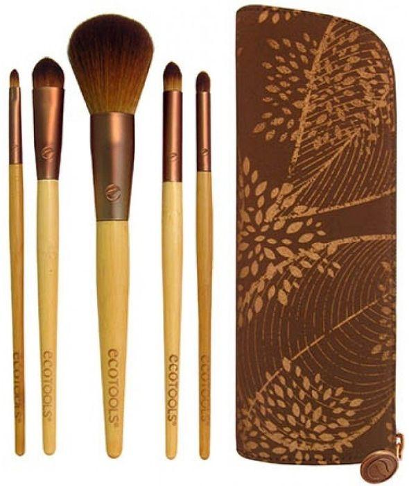 EcoTools Набор кистей День и ночь Day to Night Set1272МИдеальный набор для создания дневного макияжа, который легко можно превратить в вечерний с помощью кистей в наборе. В набор входят: Pointed Concealer - кисть для консилера, Powder brush - кисть для пудры, Shadow brush - кисть для теней, Smudge brush - кисть для растушевки, Lip Brush - кисть для губ.