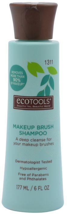 EcoTools Средство для очистки кистей Makeup Brush Shampoo1311МГипоаллергенное средство для очистки кистей легко и быстро очищает кисти от всех видов косметических средств, оставляя их безупречно чистыми и мягкими. Нанесите небольшое количество средства на кисть, мягко вспеньте и промойте водой. Повторяйте до тех пор, пока вода не станет прозрачной, затем слегка выжмите ворс и дайте высохнуть. Удаляет более 90% косметических средств! 100% гипоаллергенная формула на основе компонентов растительного происхождения, не содержащая в составе парабенов, фталатов и ингредиентов на нефтяной основе. Протестировано дерматологами. Пластиковая бутылка средства для очистки кистей EcoTools изготовлена из 40% вторично переработанного пластика.