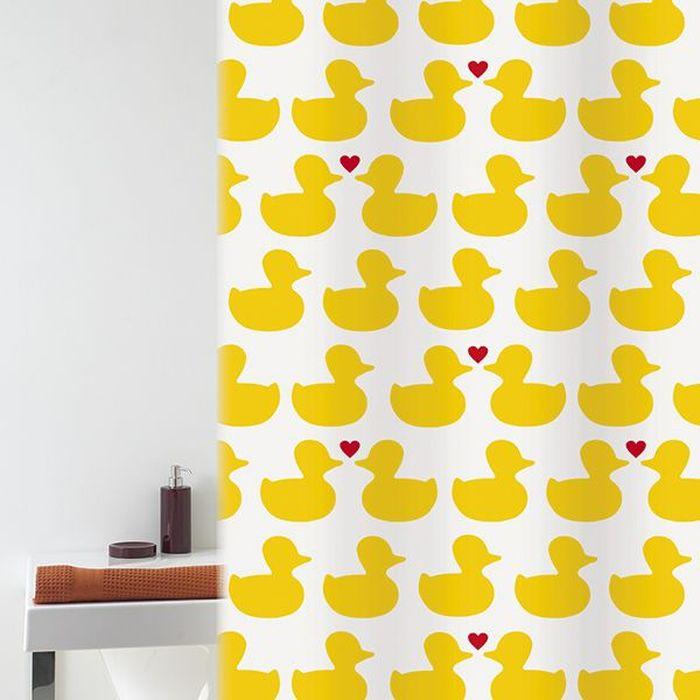 Штора для ванной Bacchetta Bath Duck, цвет: желтый, белый, 180 х 200 см6030Текстильная штора для ванной в стильном дизайне от производителя с мировым именем Bacchetta. Выполнена штора из высококачественного полиэстера с водоотталкивающей и антибактериальной пропиткой, которая препятствует появлению на шторе плесени и других вредных грибков. Штора оснащена утяжелителем, который вшит по нижнему краю, и не позволяет шторе подниматься от потоков воздуха, создаваемых напором воды. Верхний край шторы усилен двойным подворотом ткани, люверсы для колец выполнены из пластика, это исключает появление ржавчины в помещении с повышенной влажностью, что часто встречается при использовании металлических деталей. Технология производства изделий отвечает новейшим европейским стандартам. Полотна отличаются высочайшими качественными характеристиками: высокими показателями износостойкости, цветостойкости и цветопередачи, прочности ткани на разрыв. Штора со временем не выцветает, а рисунок не вымывается. В комплекте со шторой предусмотрено 12 пластиковых колец. Допускается деликатная стирка при температуре не более 30 С, штора быстро сохнет.