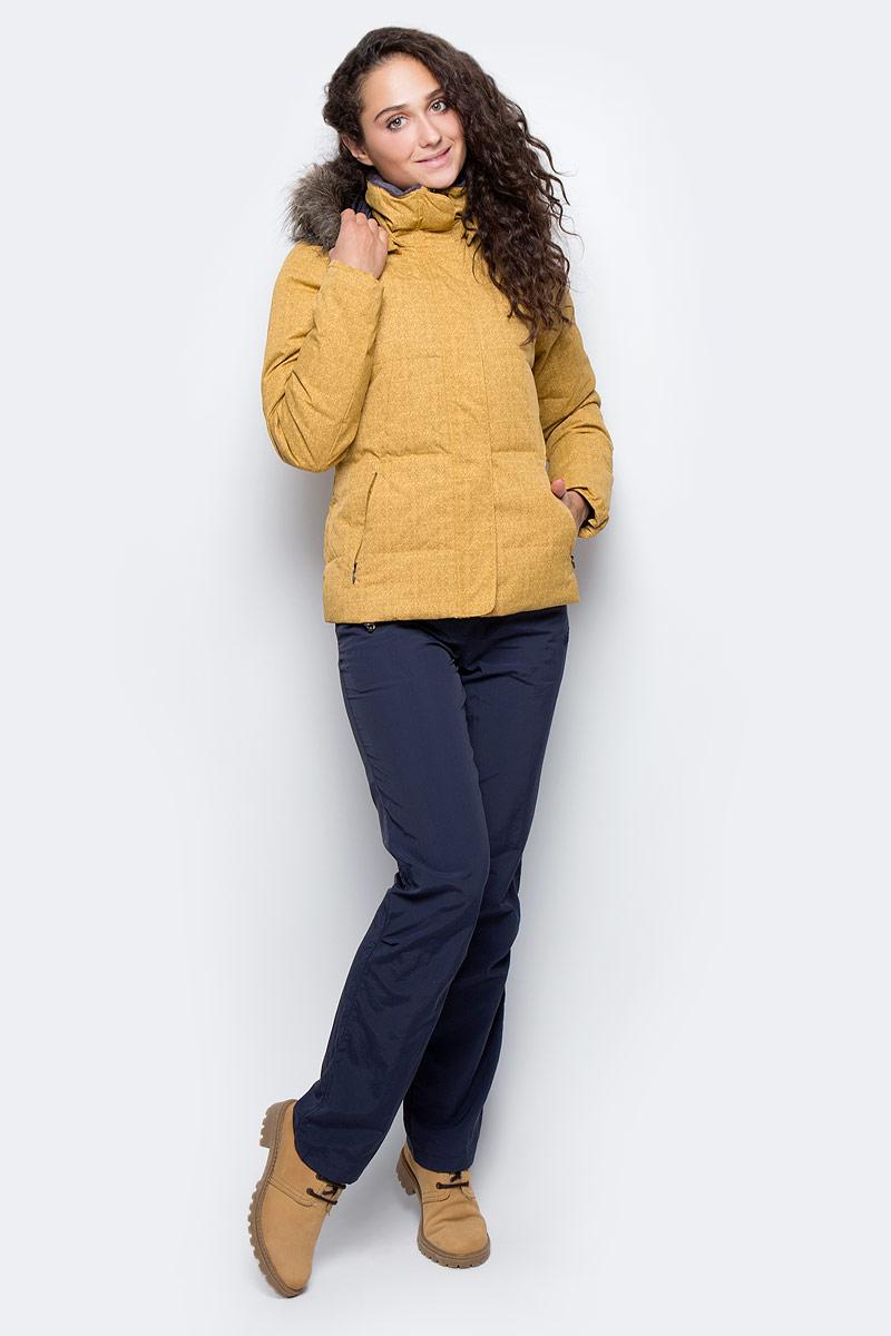 Пуховик женский Columbia Varaluck III Down Jacket, цвет: горчичный. 1465661-718. Размер XL (50)1465661-718Стильный женский пуховик Columbia Varaluck III Down Jacket - универсальная зимняя модель - для активного отдыха, занятий спортом и повседневного использования. Пуховик выполнен из 100% нейлона и дополнен наполнителем из утиного пуха и пера. Ветрозащитная, водоотталкивающая и дышащая внешняя ткань защищает от внешних превратностей погоды.Пуховик со стандартным рукавом и воротником-стойкой имеет отстегивающийся капюшон и дополнен высокой планкой на кнопке, предотвращающей продувание ветром. Застегивается изделие на пластиковую застежку-молнию и имеет защитную планку на липучках. Спереди пуховик оформлен двумя прорезными карманами на застежках-молниях и дополнительно на внутренней стороне имеется прорезной карман на липучке. Капюшон дополнен искусственным мехом. Низ изделия можно регулировать с помощью резинки на кулиске.Идеальный вариант для тех, кто ценит комфорт и качество.