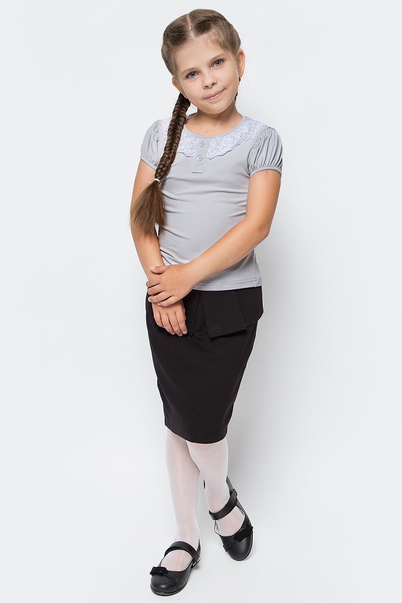 Блузка для девочки Nota Bene, цвет: серый. CJR27032A20. Размер 140CJR27032A20/CJR27032B20Блузка для девочки Nota Bene выполнена из хлопкового трикотажа с кружевной отделкой. Модель с короткими рукавами и круглым вырезом горловины.