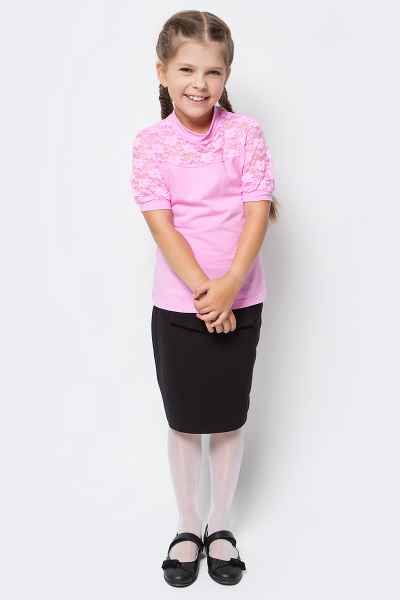 Блузка для девочки Nota Bene, цвет: розовый. CJR270432A05. Размер 122CJR270432A05Блузка для девочки Nota Bene выполнена из хлопкового трикотажа в сочетании с гипюром. Модель с короткими рукавами и воротником-стойкой.