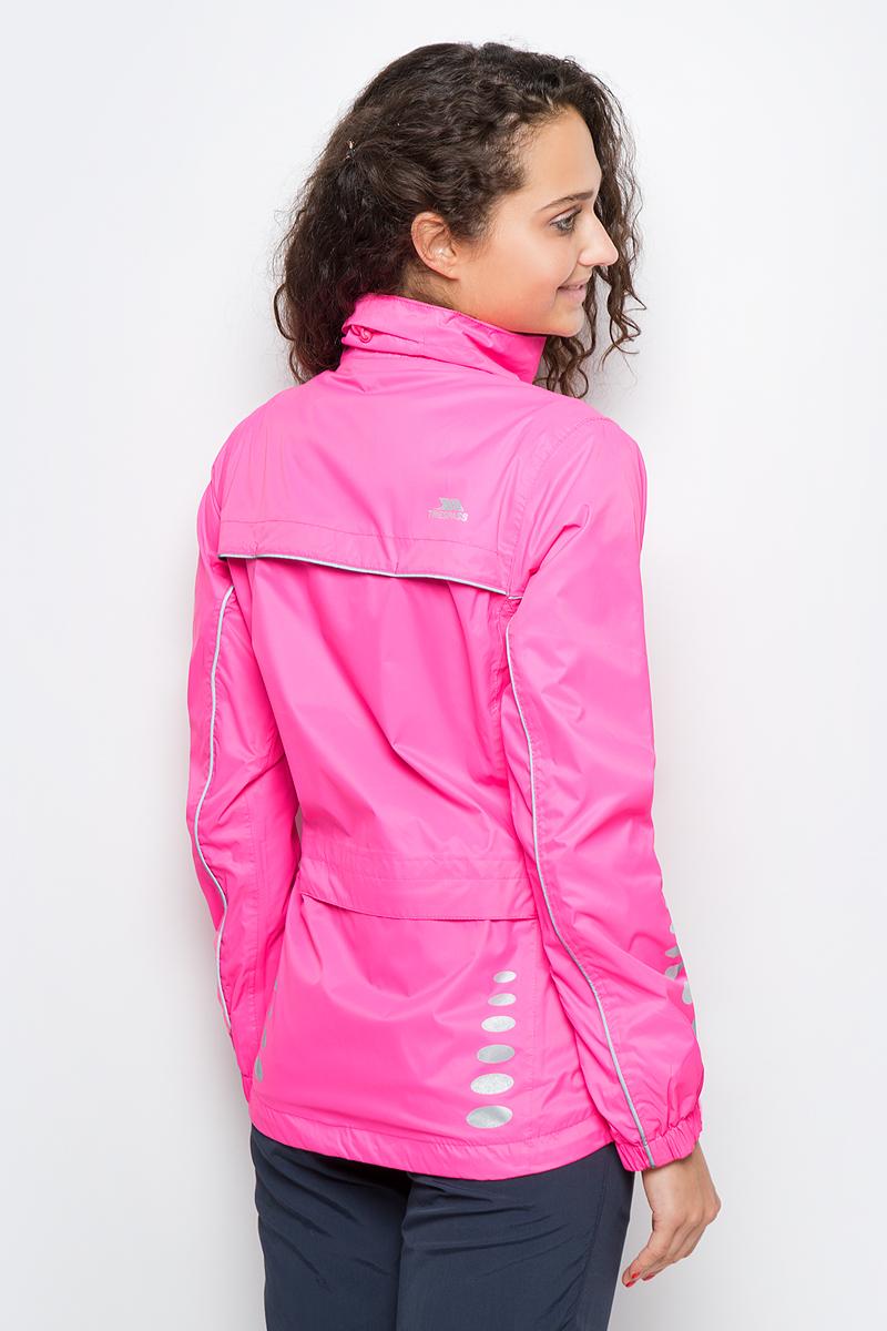 Великолепная женская куртка Trespass Fairing из мембранного материала с показателями водонепроницаемости 5000мм, дышимости 5000г/м2/24ч для занятия велоспортом. Модель с длинными стандартными рукавами и воротником-стойкой. Спереди застегивается на молнию и дополнена нагрудным прорезным карманом на молнии. Имеются светоотражающие вставки.