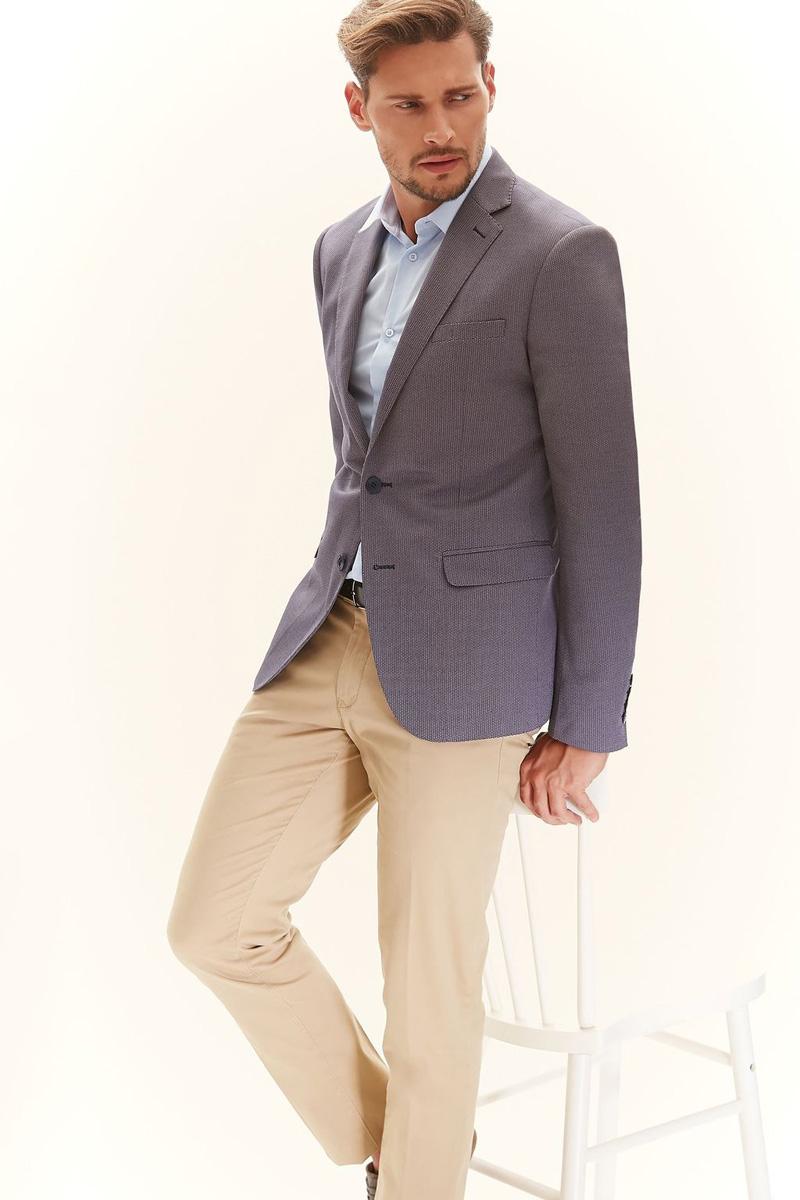 Пиджак мужской Top Secret, цвет: светло-серый. SMR0262GR. Размер 48SMR0262GRМужской пиджак Top Secret изготовлен из высококачественного комбинированного материала. Подкладка пиджака выполнена из материала с полосатым принтом. Пиджак с воротником с лацканами и длинными рукавами застегивается на две пуговицы. Манжеты рукавов также дополнены декоративными пуговицами. Пиджак имеет два накладных кармана с клапанами и нагрудный кармашек спереди. На спинке предусмотрена шлица.