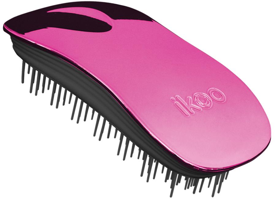 Ikoo Home Расческа для волос Black Cherry Metallic290269Уникальный подход щетки IKOO — расположение и структура щетинок, которые позволяют не только легко распутывать и расчесывать волосы, но и делать массаж головы в соответствии с принципами традиционной китайской медицины. Щетинки стимулируют энергетические меридианы и рефлексогенные зоны, что также положительно влияет на вегетативную нервную систему. Благодаря оптимальной степени твердости щетины, волосы распутываются легко и без вытягивания. Щетка ikoo сохраняет свою функциональность даже после долговременного использования.Щетки IKOO изготовлены из высококачественной смолы и акрила. Для комфортного использования корпус щетки отделан натуральной резиной, что помогает надежно удерживать щетку в руке. Скомбинировав эти три материала, мы избежали использования дерева и натуральной щетины, так как эти материалы подходят не для всех типов волос, а также труднее очищаются. Щетки IKOO соблюдают все гигиенические стандарты за счет своего состава. Во процессе разработки мы уделили большое внимание дизайну щетки, чтобы и правшам, и левшам было комфортно ей пользоваться.