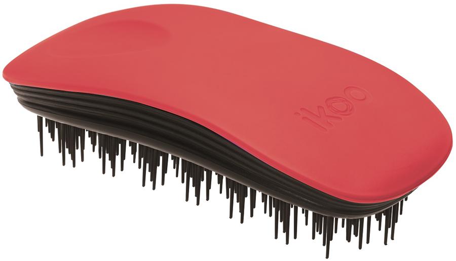 Ikoo Home Расческа для волос Paradise Black Fireball290344Уникальный подход щетки IKOO — расположение и структура щетинок, которые позволяют не только легко распутывать и расчесывать волосы, но и делать массаж головы в соответствии с принципами традиционной китайской медицины. Щетинки стимулируют энергетические меридианы и рефлексогенные зоны, что также положительно влияет на вегетативную нервную систему. Благодаря оптимальной степени твердости щетины, волосы распутываются легко и без вытягивания. Щетка ikoo сохраняет свою функциональность даже после долговременного использования.Щетки IKOO изготовлены из высококачественной смолы и акрила. Для комфортного использования корпус щетки отделан натуральной резиной, что помогает надежно удерживать щетку в руке. Скомбинировав эти три материала, мы избежали использования дерева и натуральной щетины, так как эти материалы подходят не для всех типов волос, а также труднее очищаются. Щетки IKOO соблюдают все гигиенические стандарты за счет своего состава. Во процессе разработки мы уделили большое внимание дизайну щетки, чтобы и правшам, и левшам было комфортно ей пользоваться.
