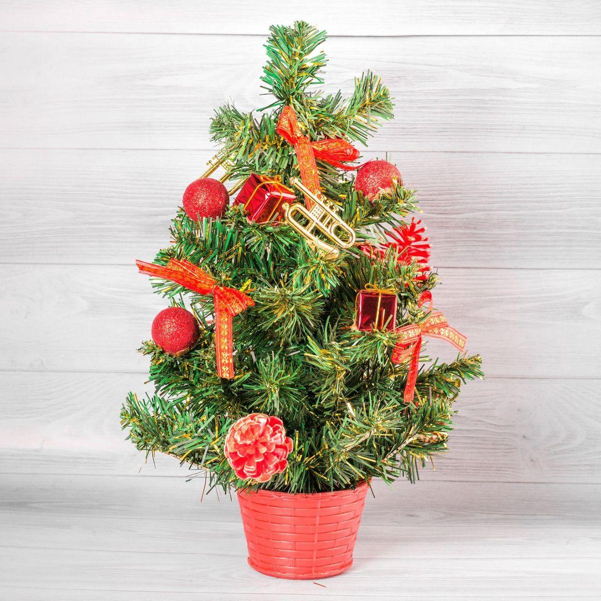 Елка настольная Денежного года, цвет: красный, 50 см2476546Невозможно представить нашу жизнь без праздников! Мы всегда ждем их и предвкушаем, обдумываем, как проведем памятный день, тщательно выбираем подарки и аксессуары, ведь именно они создают и поддерживают торжественный настрой. — это отличный выбор, который привнесет атмосферу праздника в ваш дом!