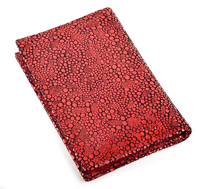 Обложка на паспорт женская Topo Fortunato, цвет: красный. TF 724-093Натуральная кожаОбложка на паспорт Topo Fortunato выполнена из натуральной кожи. С левой стороны кожаный захват, два кармана для пластиковых карт, прозрачное окошко для пропуска, с правой стороны пластиковый захват. Размер: 9,5 х 13,3 см.
