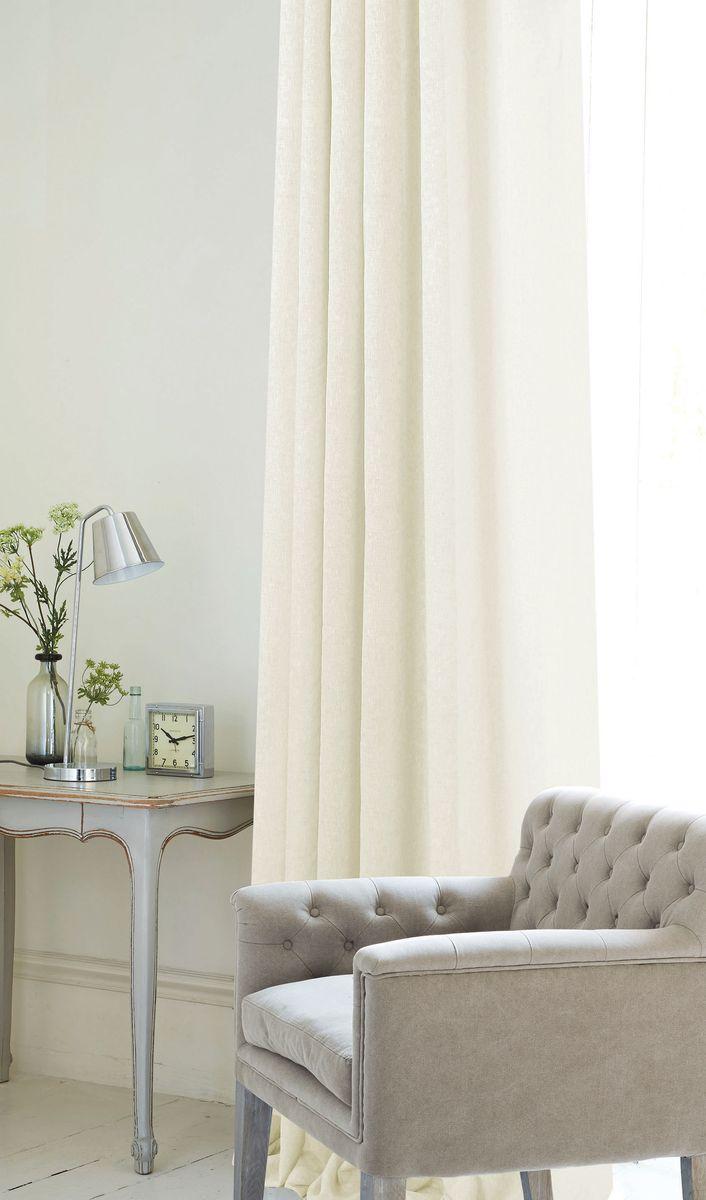 Штора Garden, на ленте, цвет: белый, высота 260 см. С W2480 V2С W2480 V2Изящная штора Garden выполнена из однотонной ткани рогожка. Приятная текстура и цвет штор привлекут к себе внимание и органично впишутся в интерьер помещения.Штора крепится на карниз при помощи ленты, которая поможет красиво и равномерно задрапировать верх.