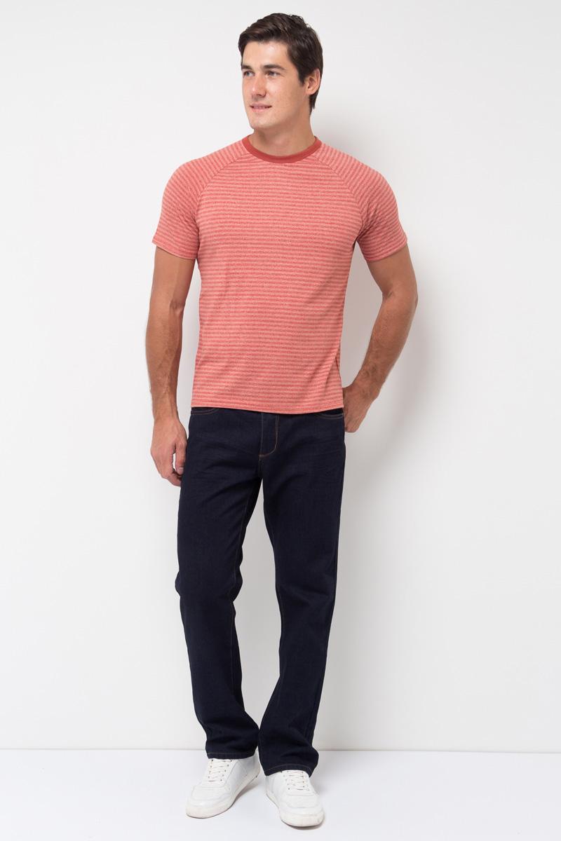 Джинсы мужские Sela, цвет: темно-синий джинс. PJ-235/102-7361. Размер 32-34 (48-34)PJ-235/102-7361Мужские джинсы от Sela выполнены из натурального хлопка. Модель прямого кроя со средней посадкой имеет пятикарманный крой: спереди – два втачных кармана и один маленький кармашек, сзади – два накладных кармана. Джинсы в поясе застегиваются на пуговицу, имеют ширинку на застежке-молнии и шлевки для ремня.