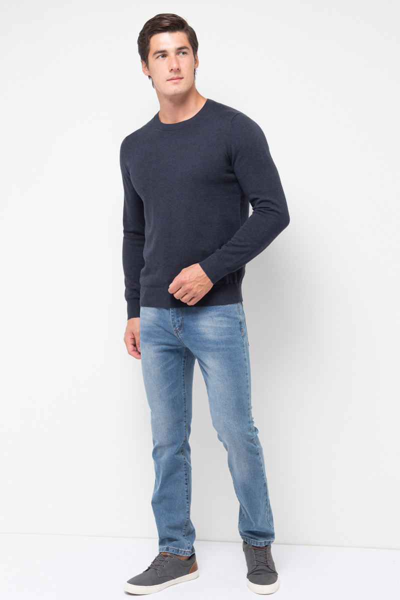 Джинсы мужские Sela, цвет: синий джинс. PJ-235/109-7361. Размер 38-34 (54-34)PJ-235/109-7361Мужские джинсы от Sela выполнены из эластичного хлопка. Модель зауженного кроя со средней посадкой имеет пятикарманный крой: спереди – два втачных кармана и один маленький кармашек, сзади – два накладных кармана. Джинсы в поясе застегиваются на пуговицу, имеют ширинку на застежке-молнии и шлевки для ремня.