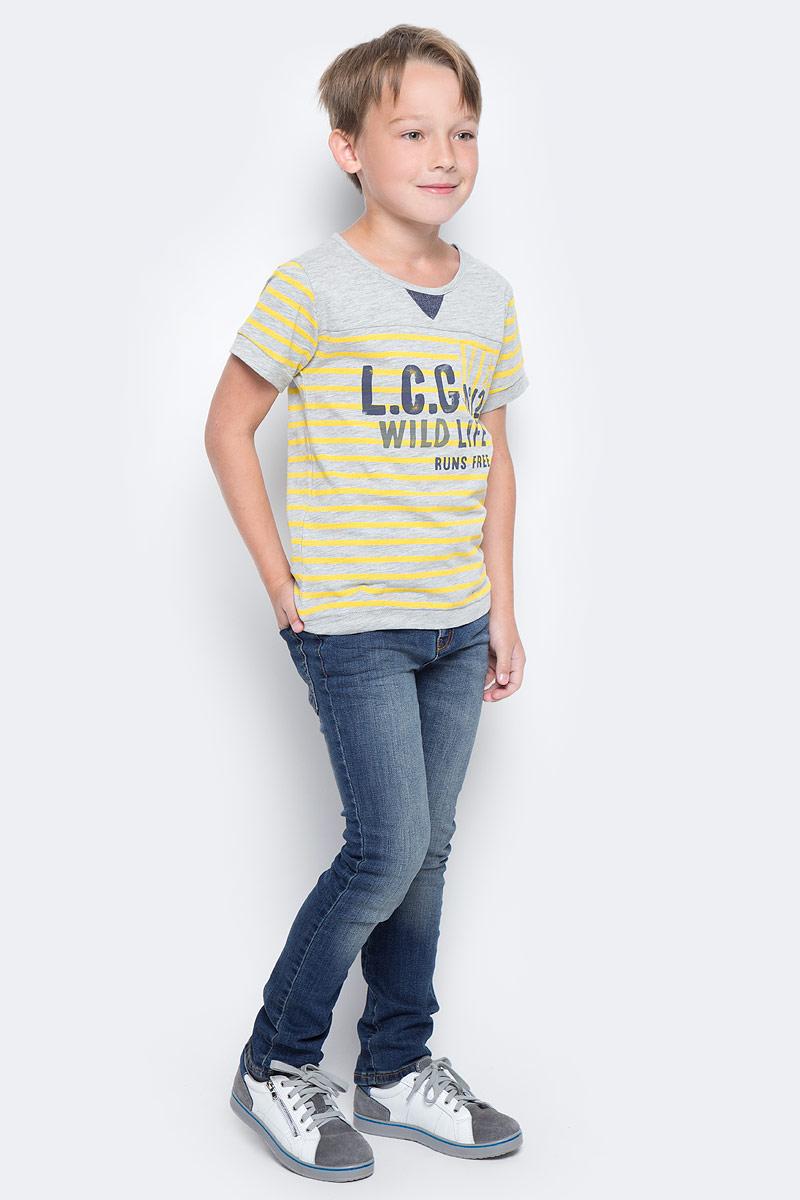 Футболка для мальчика Vitacci, цвет: серый. 1172096-02. Размер 1161172096-02Модная футболка для мальчика с оригинальным принтом будет удачным выбором в солнечный летний день. Высококачественный трикотаж из 100% хлопка даст возможность чувствовать себя комфортно в любую погоду.