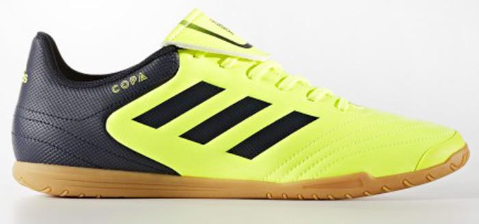 Кроссовки для футзала мужские Adidas Copa 17.4 IN, цвет: желтый, черный. S77151. Размер 9,5 (42,5)S77151Футбольные бутсы Adidas Copa 17.4 IN с верхом из синтетических материалов обеспечивают превосходную посадку. Подошва специально разработана для игры на гладких полированных поверхностях.