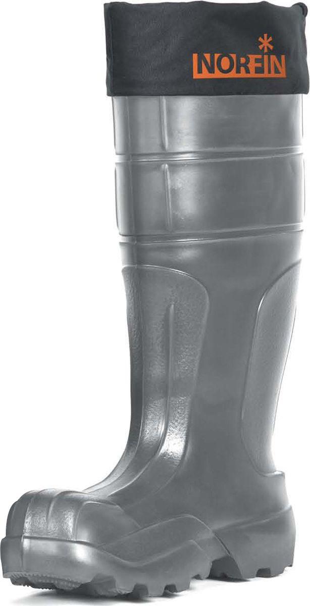 Сапоги для рыбалки мужские Norfin Glacier, цвет: серый. 14840. Размер 4514860-4344Сапоги для рыбалки мужские Norfin Glacier изготовлены из материала ЕVА. Сапоги устойчивы к воздействию влаги, низких температур, очень легкие и износостойкие. Удобная колодка, повторяющая контуры ноги, позволяет себя чувствовать комфортно даже во время многокилометровых переходов. Сапоги обеспечивают термозащиту в динамике при температуре до –50°С. Манжета из водоотталкивающей ткани защищает от попадания снега и воды внутрь сапога. Трехслойный вынимаемый вкладыш, толщиной 12 мм, обеспечивает надежную термоизоляцию: - внутренний слой полиэстера – обеспечивает основную термоизоляцию, а также впитывает и отводит влагу наружу; - перфорированная фольга отражает холод, поддерживая температуру тела, и пропускает влагу во внешний слой полиэстера; - внешний слой полиэстера обеспечивает дополнительную термоизоляцию и выводит влагу из вкладыша.