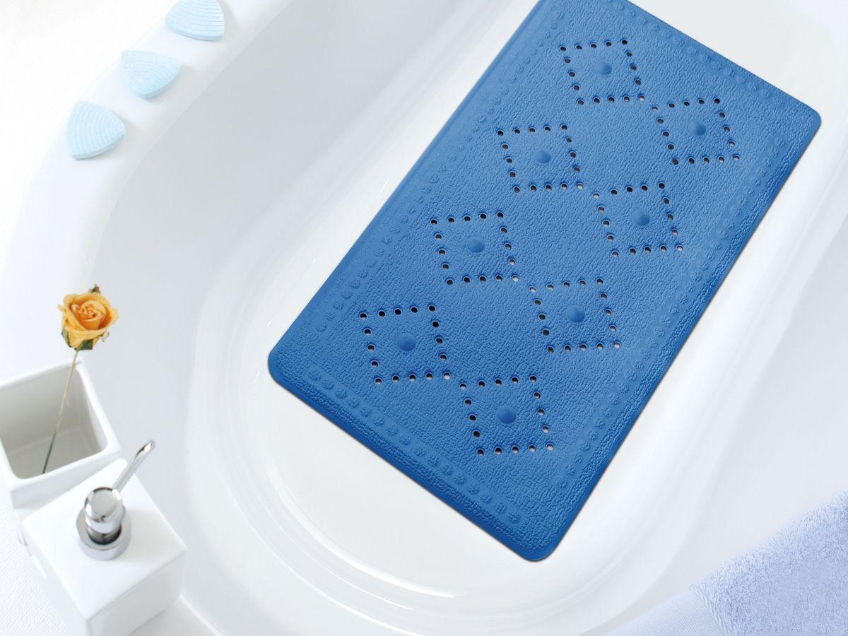 Коврик в ванну Bacchetta, цвет: синий, 36 х 71 см1608Практичный коврик на присосках для ванной. Коврик выполнен из высококачественного вспененного ПВХ, поэтому изделие обладает мягкостью и эластичностью. Коврик подходит для всех типов ванн и душевых кабин, он хорошо фиксируется на поверхности за счет вакуумных присосок. Предназначен для использования в ванной или душевой кабине в гигиенических целях и для обеспечения безопасности. Коврик предотвращает возможность травм при падении на скользкой поверхности.