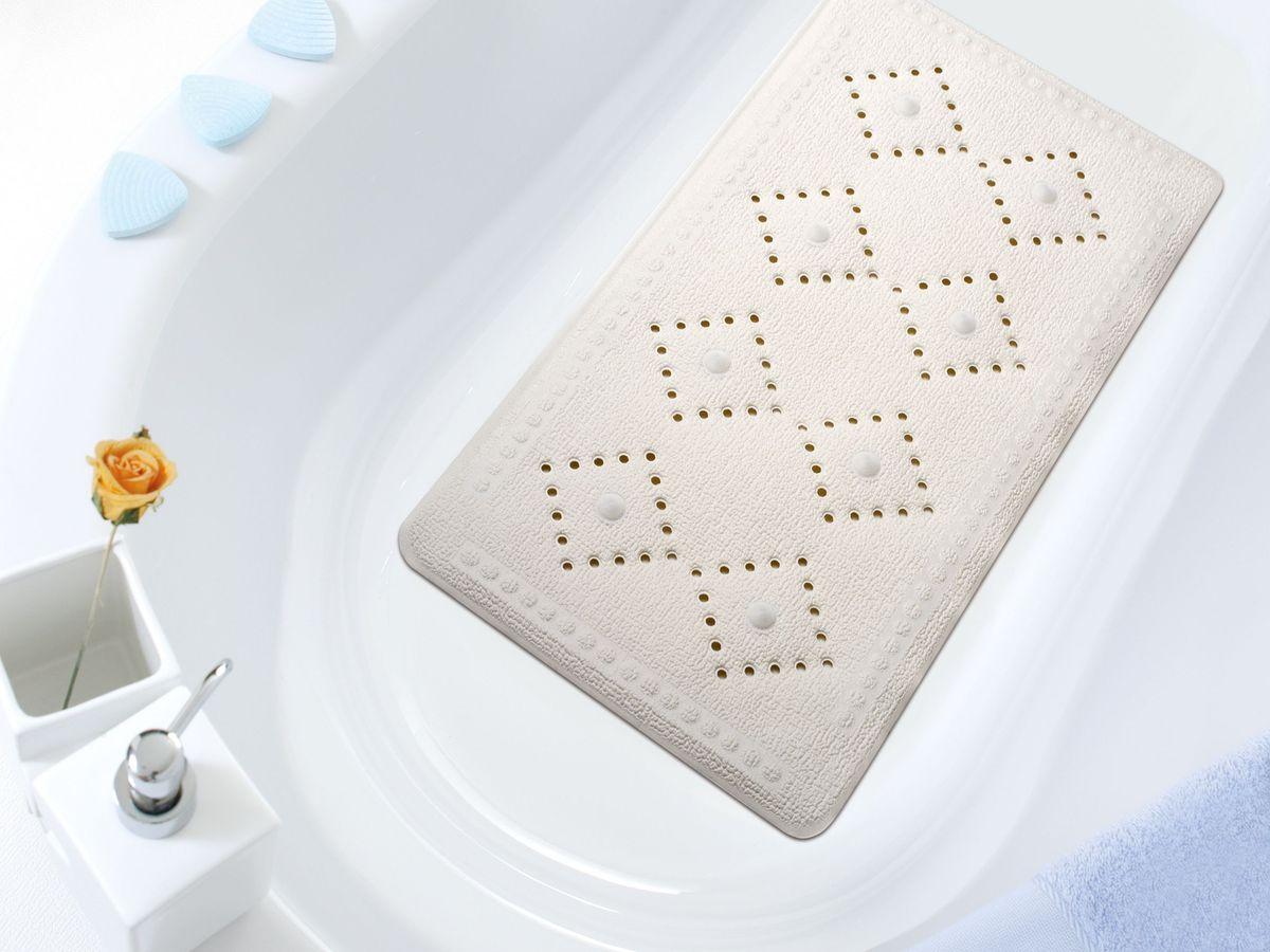 Коврик в ванну Bacchetta, цвет: белый, 36 х 71 см2197Практичный коврик на присосках для ванной. Коврик выполнен из высококачественного вспененного ПВХ, поэтому изделие обладает мягкостью и эластичностью. Коврик подходит для всех типов ванн и душевых кабин, он хорошо фиксируется на поверхности за счет вакуумных присосок. Предназначен для использования в ванной или душевой кабине в гигиенических целях и для обеспечения безопасности. Коврик предотвращает возможность травм при падении на скользкой поверхности.