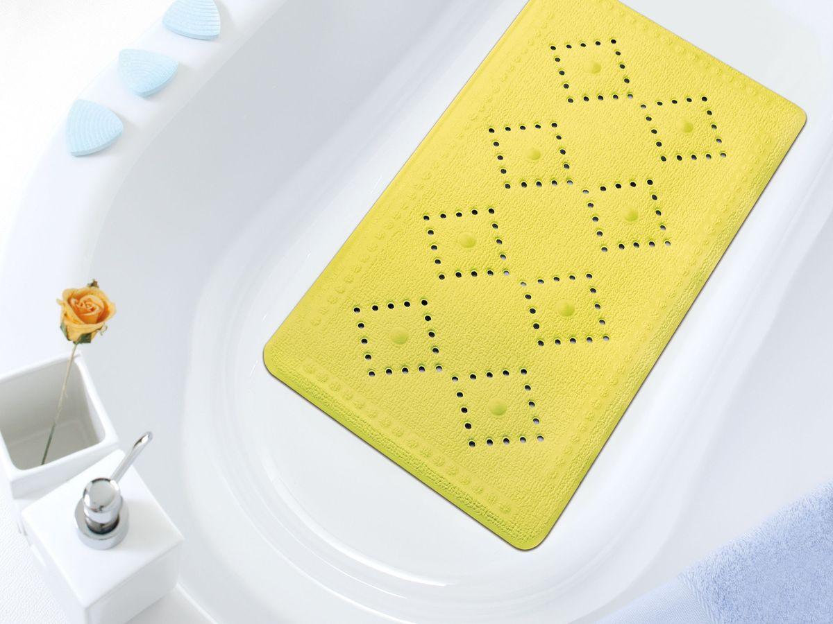 Коврик в ванну Bacchetta, цвет: желтый, 36 х 71 см2649Практичный коврик на присосках для ванной Bacchetta выполнен из высококачественного вспененного ПВХ, поэтому изделие обладает мягкостью и эластичностью. Коврик подходит для всех типов ванн и душевых кабин, он хорошо фиксируется на поверхности за счет вакуумных присосок. Предназначен для использования в ванне или душевой кабине в гигиенических целях и для обеспечения безопасности. Коврик предотвращает возможность травм при падении на скользкой поверхности.