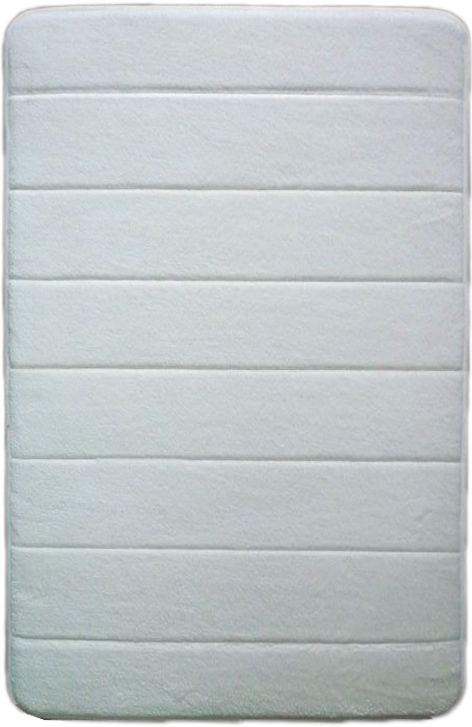 Коврик для ванной комнаты Dasch Fresh, цвет: белый, 50 х 80 см5989Удивительное сочетание мягкости, легкости и практичности в ковриках коллекции Fresh. Невероятно мягкий коврик с короткостриженым ворсом из микрофибры. Мягкость достигается внутренним слоем, который выполнен из вспененного ПВХ. Благодаря такой технологии изготовления коврик очень легкий и обладает отличными влаговпитывающими свойствами. Основание коврика выполнено из противоскользящей ПВХ-сетки, которая препятствует скольжению коврика на гладкой поверхности пола. Коврик не выцветают со временем и не линяет при стирке и использовании. Допускается ручная или машинная стирка при t=40 C. После стирки коврик быстро сохнет. Плотность ворса 250 гр/м2