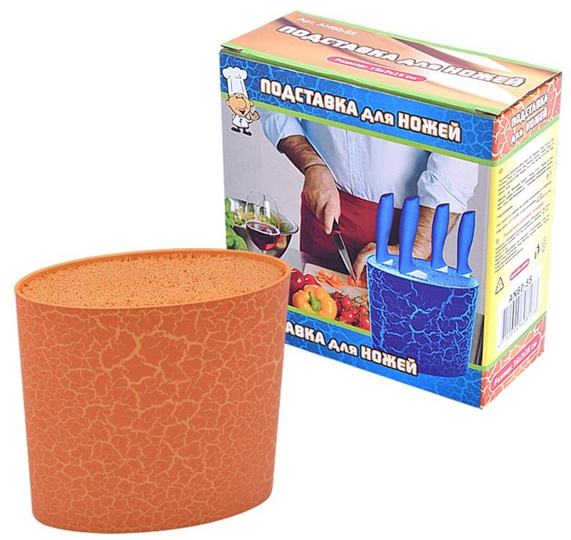 Подставка для ножей Мультидом, цвет: оранжевый, 16 х 7 х 16 смAN60-55Подставка Мультидом предназначена для безопасного и гигиеничного хранения острых ножей. Выполнена в форме корзины с наполнителем, который легко вынимается, что позволяет его мытьи сушить. Наполнитель подставки для ножей представляет собой пластмассовые соломинки, позволяющиехранить любое количество ножей и аксессуаров разного размера, они просто раздвигаются иудерживают предмет. Прекрасно подходит для керамических и металлических ножей, а также помогает сохранить ихзаточку. Подобная конструкционная особенность позволяет существенно продлить срок службыстоловых приборов. Можно мыть в посудомоечной машине.